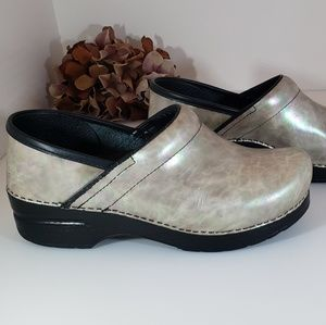 Dansko Mother of Pearl Leather Pro Clogs 38, 7.5-8